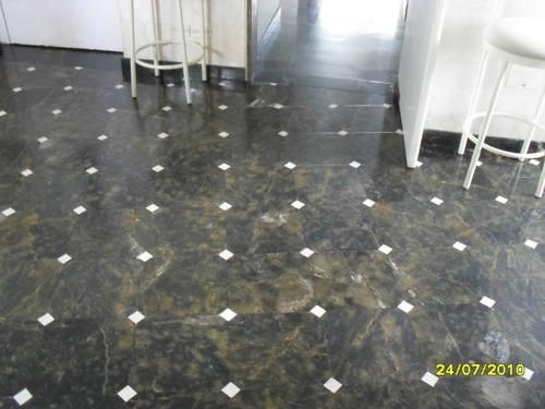 pulido de marmol crema