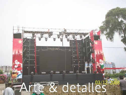 escenario con andamio multidireccional