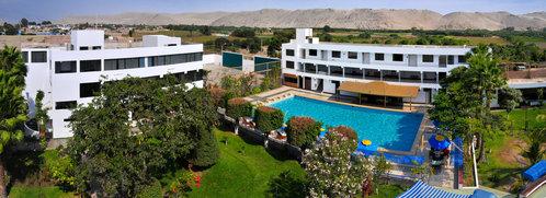 A foto panoramina Poncianas Hotel