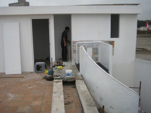 Ampliación en azotea, escalera caracol / Miraflores