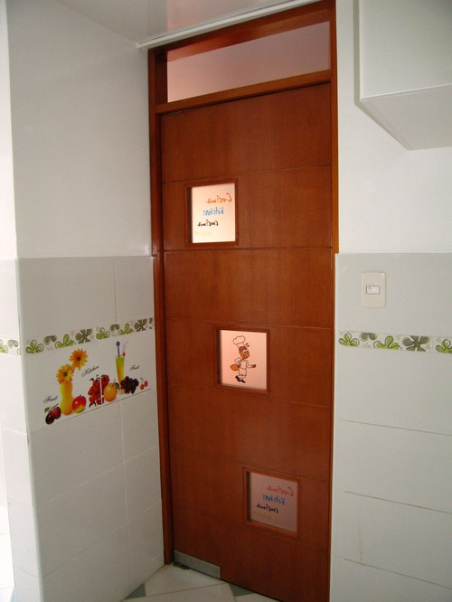 Miocasa muebles y mas qlyque la red comercial for Puertas vaiven de madera
