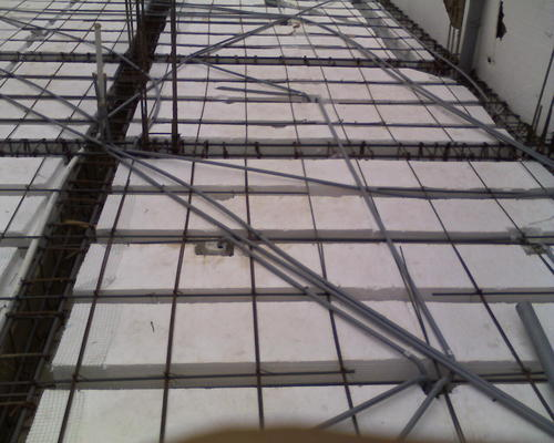 BRICKS dak met piepschuim.