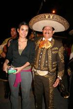 El Charro Pepe Jiménez - Carolina Ramírez ( La Hija del Mariachi )