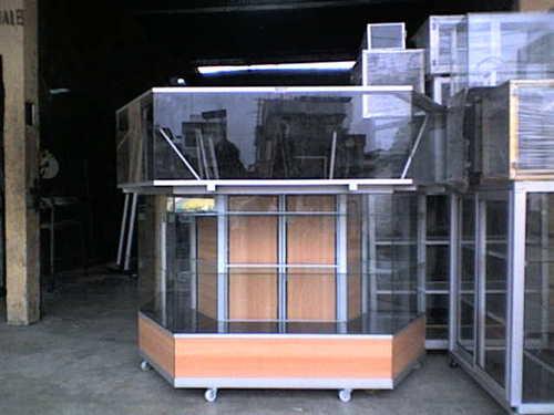 vitrina exagonal de 200x 100