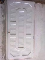 puerta batiente principal