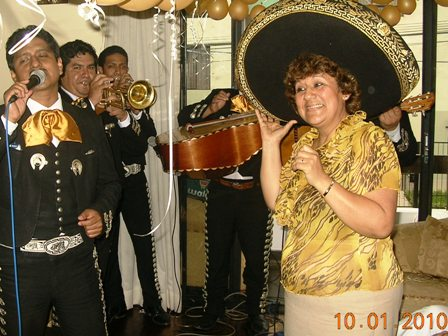 mariachisn in black tip, San Bartolo, beautiful tip, Pucusana, I Naplo