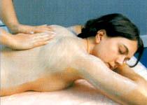 Halsausschnitt und Back-Behandlungen