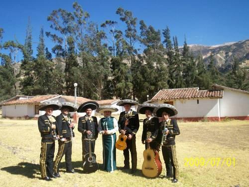 Mariachis Pisco y Tequila de Trujillo Perù en la ciudad de Huaraz
